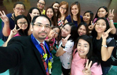 Dr Cheng with graduate students from WU-P